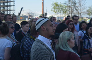 Hundreds come together in Sunderland's Keel Square to remember Manchester attack victims