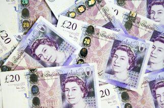 Pound falls as markets fear Corbyn power